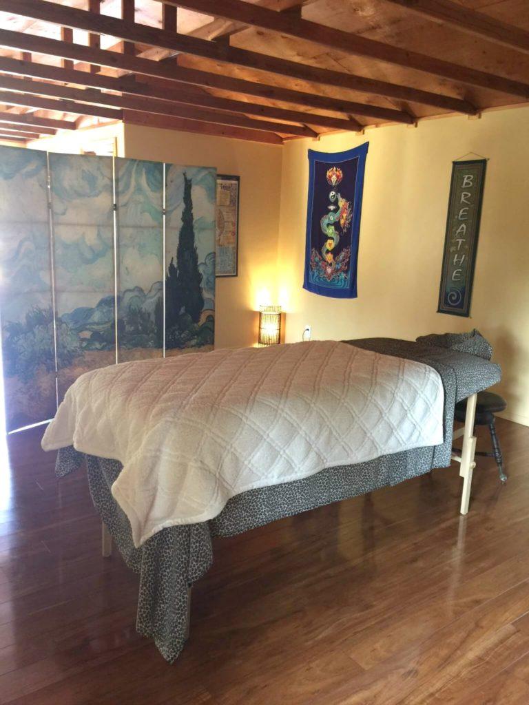 Aquarian Dance - Yoga Retreat massage
